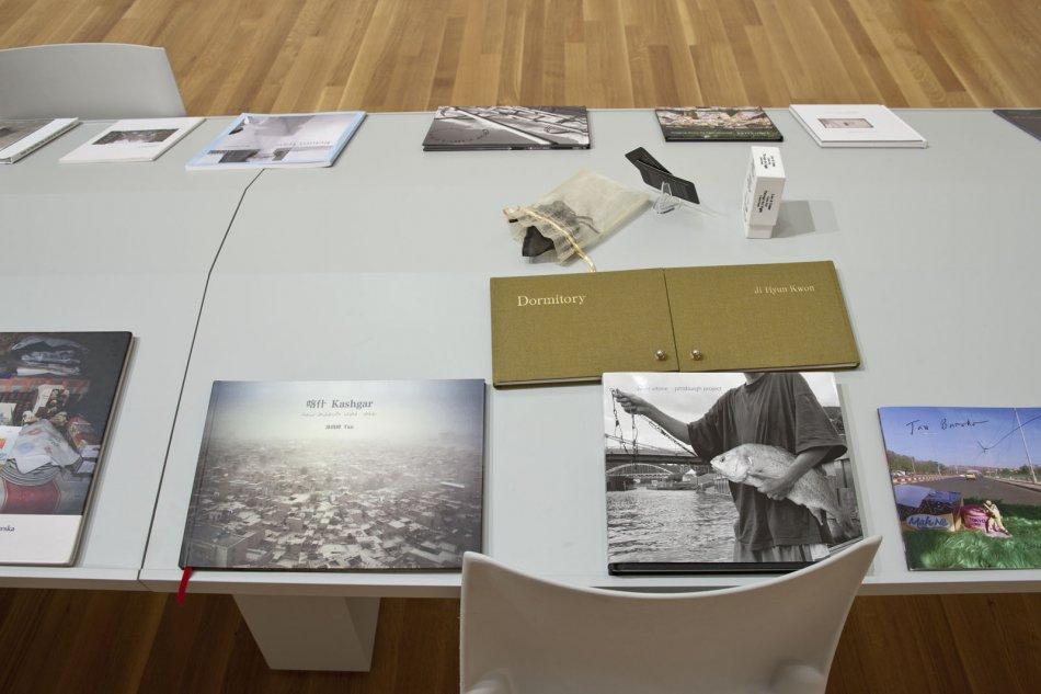 DIY: Photographers & Books gallery views
